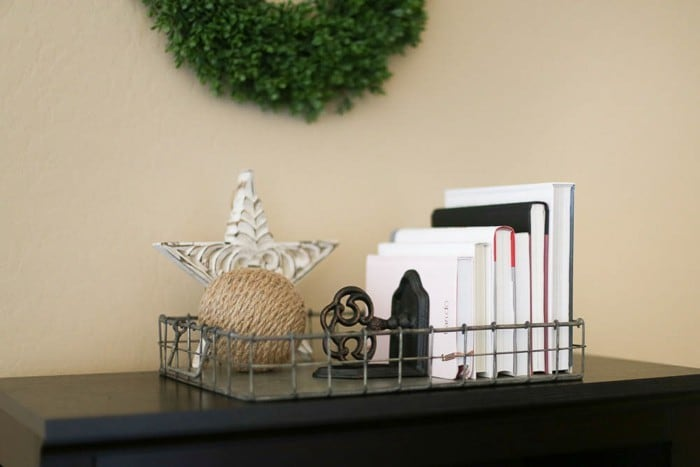 The quick and easy bookshelf tutorial!  Style a small bookshelf with items from around the house.