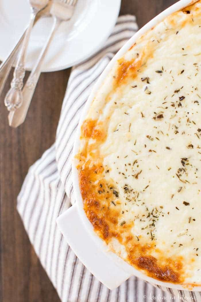 Delicious one-pot easy baked ziti recipe! Perfect for any night of the week!