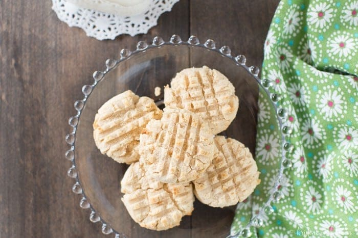 These simple coconut flour shortbread cookies are grain-free, gluten-free, and whole food! Yummy!