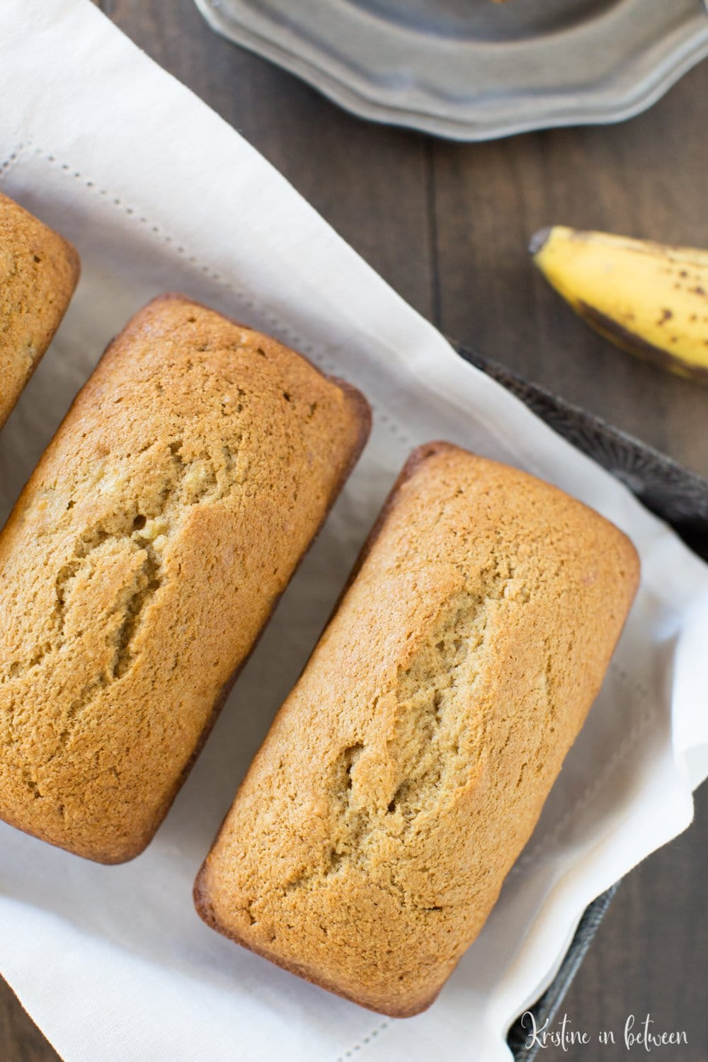 This is the best recipe for simple and sweet traditional banana bread!