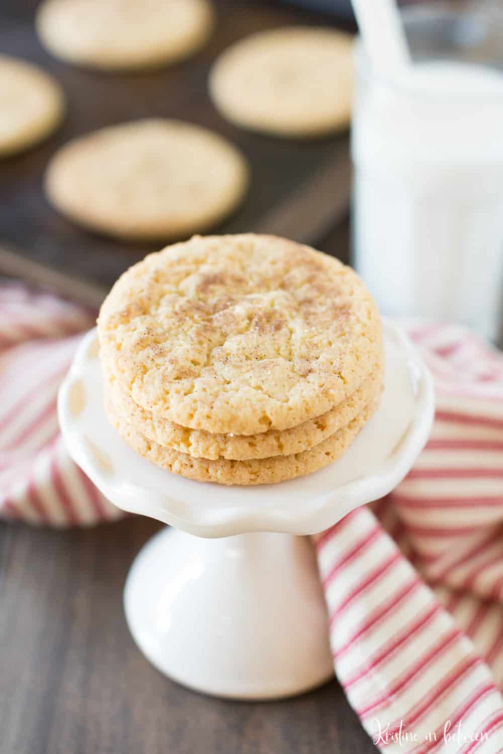 Super simple snickerdoodle cookies that you can make in one bowl and in less than 30 minutes! Snickerdoodles for the win!