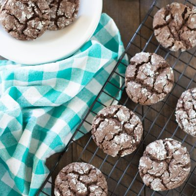 Thick and fudgy chocolate crinkle cookies that you can make in one bowl!